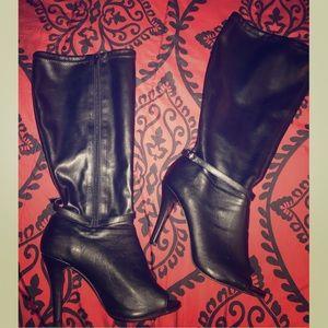 🔔Torrid Black • Peep Toe Knee Boot
